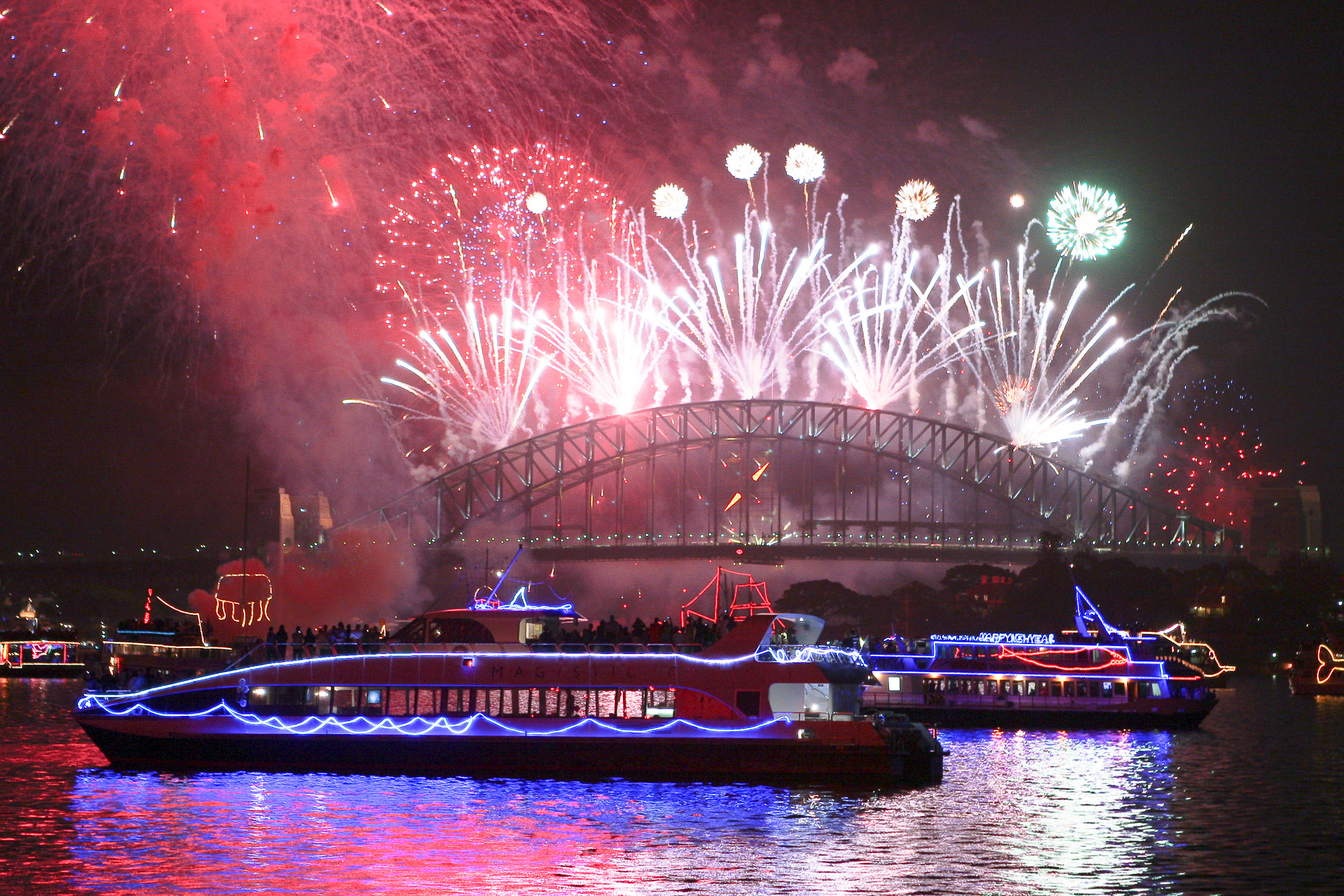 New Year S Eve Cruises On Sydney Harbour From 350 My Fast Ferry