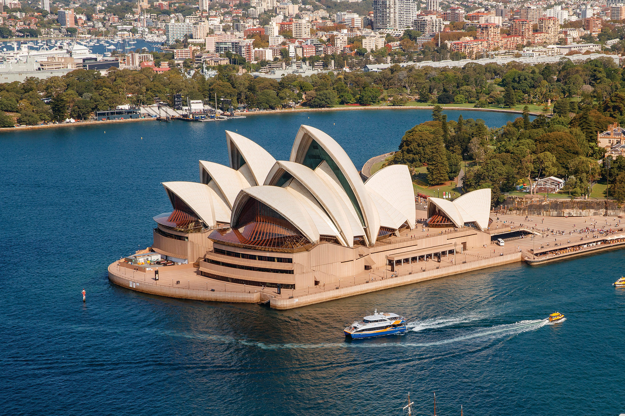 Manly Fast Ferry, Sydney Opera House